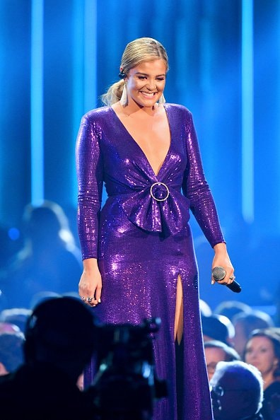 Singer Lauren Alaina performs onstage during the 52nd annual CMA Awards at the Bridgestone Arena on November 14, 2018 in Nashville, Tennessee.  (Photo by Michael Loccisano/Getty Images)