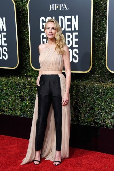 BEVERLY HILLS, CA - JANUARY 06:  Julia Roberts attends the 76th Annual Golden Globe Awards at The Beverly Hilton Hotel on January 6, 2019 in Beverly Hills, California.  (Photo by Frazer Harrison/Getty Images)
