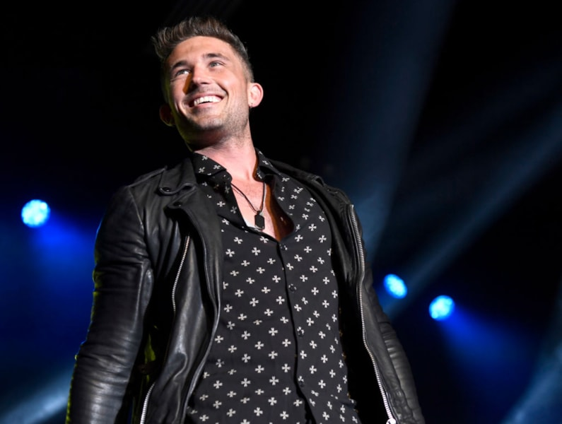 LAS VEGAS, NEVADA - APRIL 06: Michael Ray onstage at ACM Lifting Lives®: Decades on April 06, 2019 in Las Vegas, Nevada. (Photo by Frazer Harrison/Getty Images for ACM)
