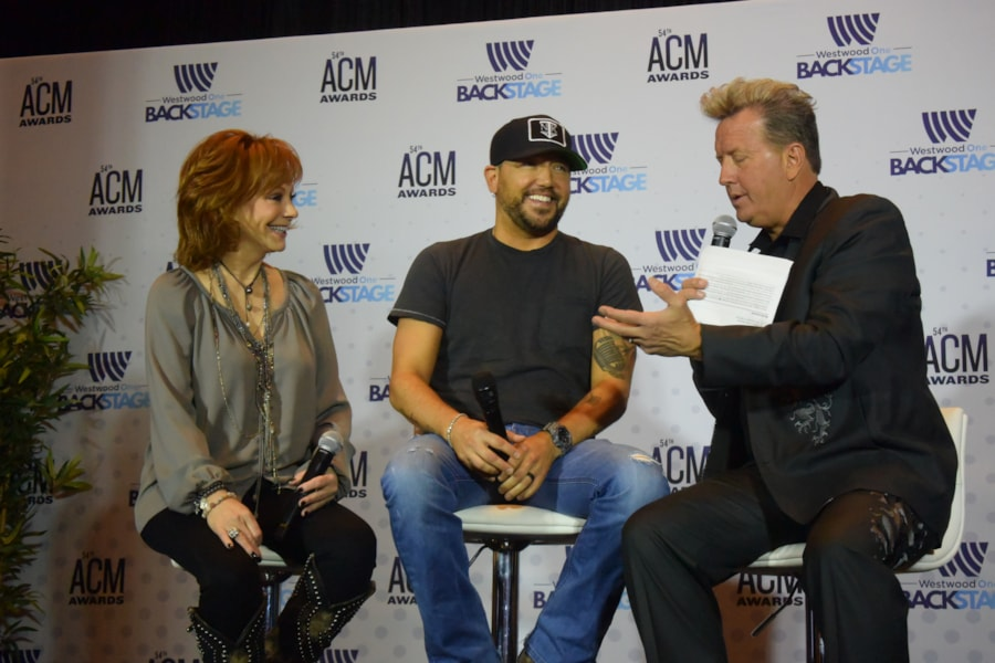 Reba McEntire & Jason Aldean during press conference before ACMs