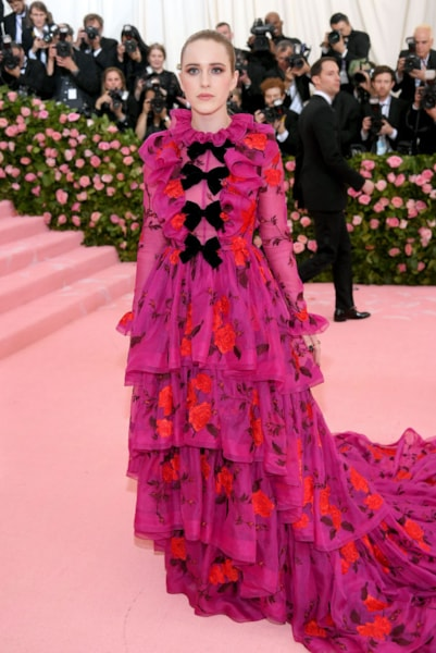 NEW YORK, NEW YORK - MAY 06: Rachel Brosnahan attends The 2019 Met Gala Celebrating Camp: Notes on Fashion at Metropolitan Museum of Art on May 06, 2019 in New York City. (Photo by Neilson Barnard/Getty Images)