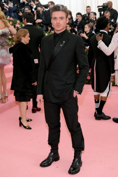 NEW YORK, NEW YORK - MAY 06: Richard Madden attends The 2019 Met Gala Celebrating Camp: Notes on Fashion at Metropolitan Museum of Art on May 06, 2019 in New York City. (Photo by Neilson Barnard/Getty Images)