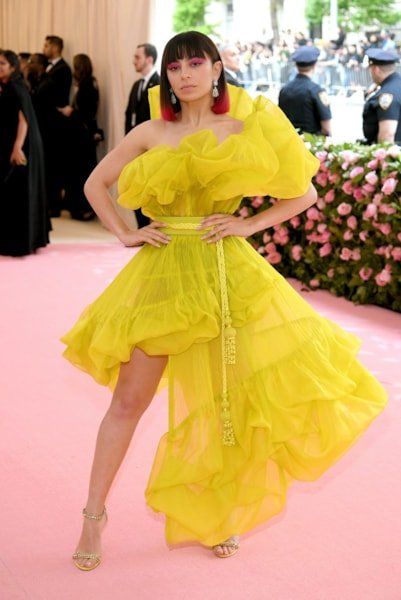 NEW YORK, NEW YORK - MAY 06: Charli XCX attends The 2019 Met Gala Celebrating Camp: Notes on Fashion at Metropolitan Museum of Art on May 06, 2019 in New York City. (Photo by Neilson Barnard/Getty Images)