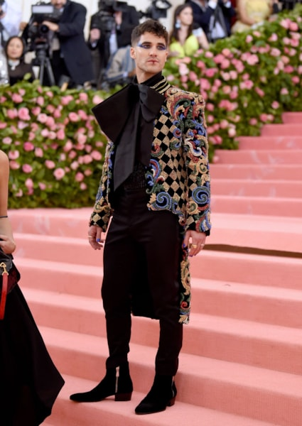 NEW YORK, NEW YORK - MAY 06: Darren Criss attends The 2019 Met Gala Celebrating Camp: Notes on Fashion at Metropolitan Museum of Art on May 06, 2019 in New York City. (Photo by Jamie McCarthy/Getty Images)