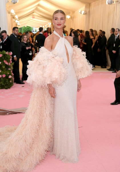 NEW YORK, NEW YORK - MAY 06: Rosie Huntington-Whiteley attends The 2019 Met Gala Celebrating Camp: Notes on Fashion at Metropolitan Museum of Art on May 06, 2019 in New York City. (Photo by Neilson Barnard/Getty Images)