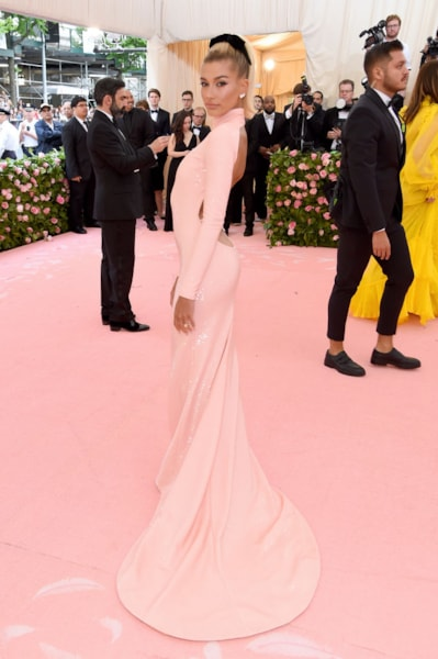 NEW YORK, NEW YORK - MAY 06: Hailey Bieber attends The 2019 Met Gala Celebrating Camp: Notes on Fashion at Metropolitan Museum of Art on May 06, 2019 in New York City. (Photo by Jamie McCarthy/Getty Images)